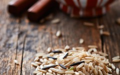 Brown rice is an example of a gluten-free grain.